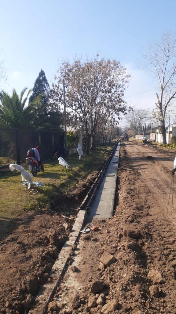 Más cuadras de cordón cuneta para el Barrio Atahualpa Yupanqui